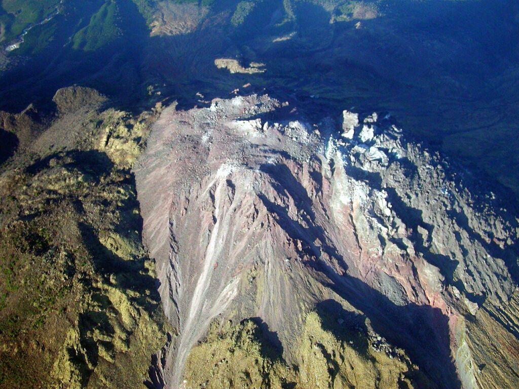 火山と共存する道の駅「みずなし本陣ふかえ」