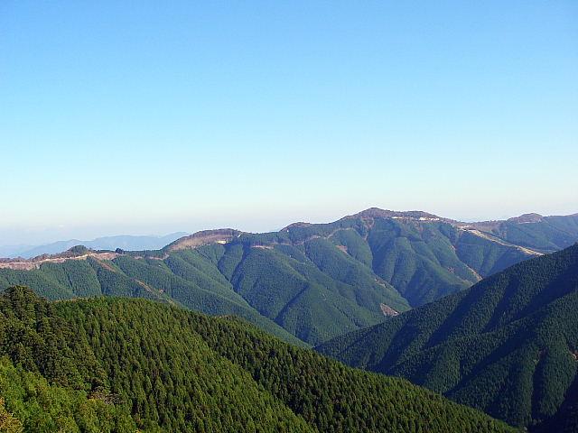 緑豊かな山間の絶景と美人の湯 「道の駅 田辺市龍神木族館」