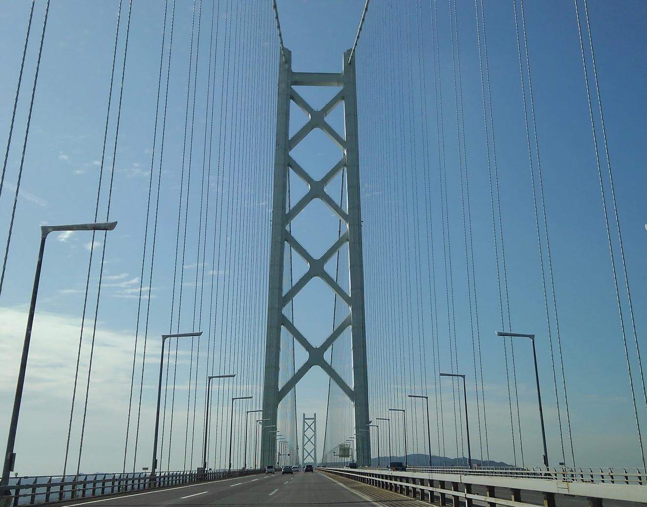 明石海峡大橋の橋上にて