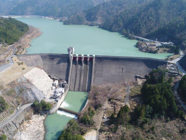 日本で最初の複合ダム「永源寺ダム」