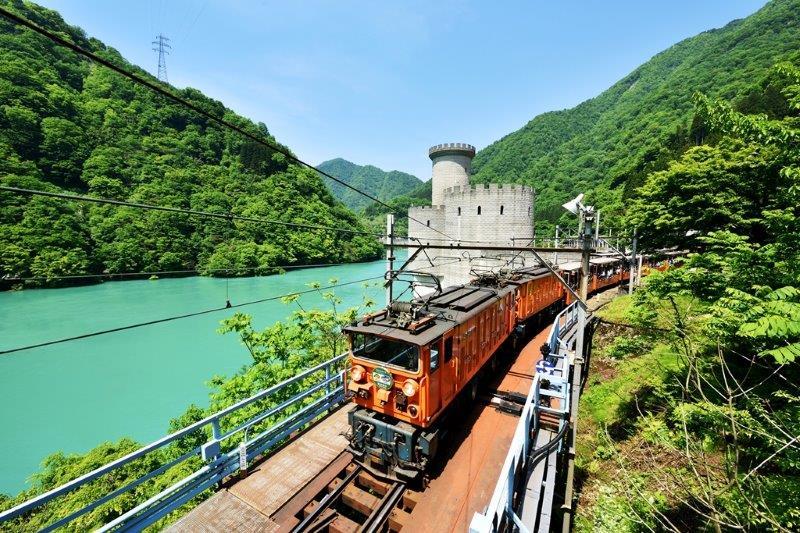 【黒部ダム】の楽しみ方その1「黒部峡谷トロッコ電車」