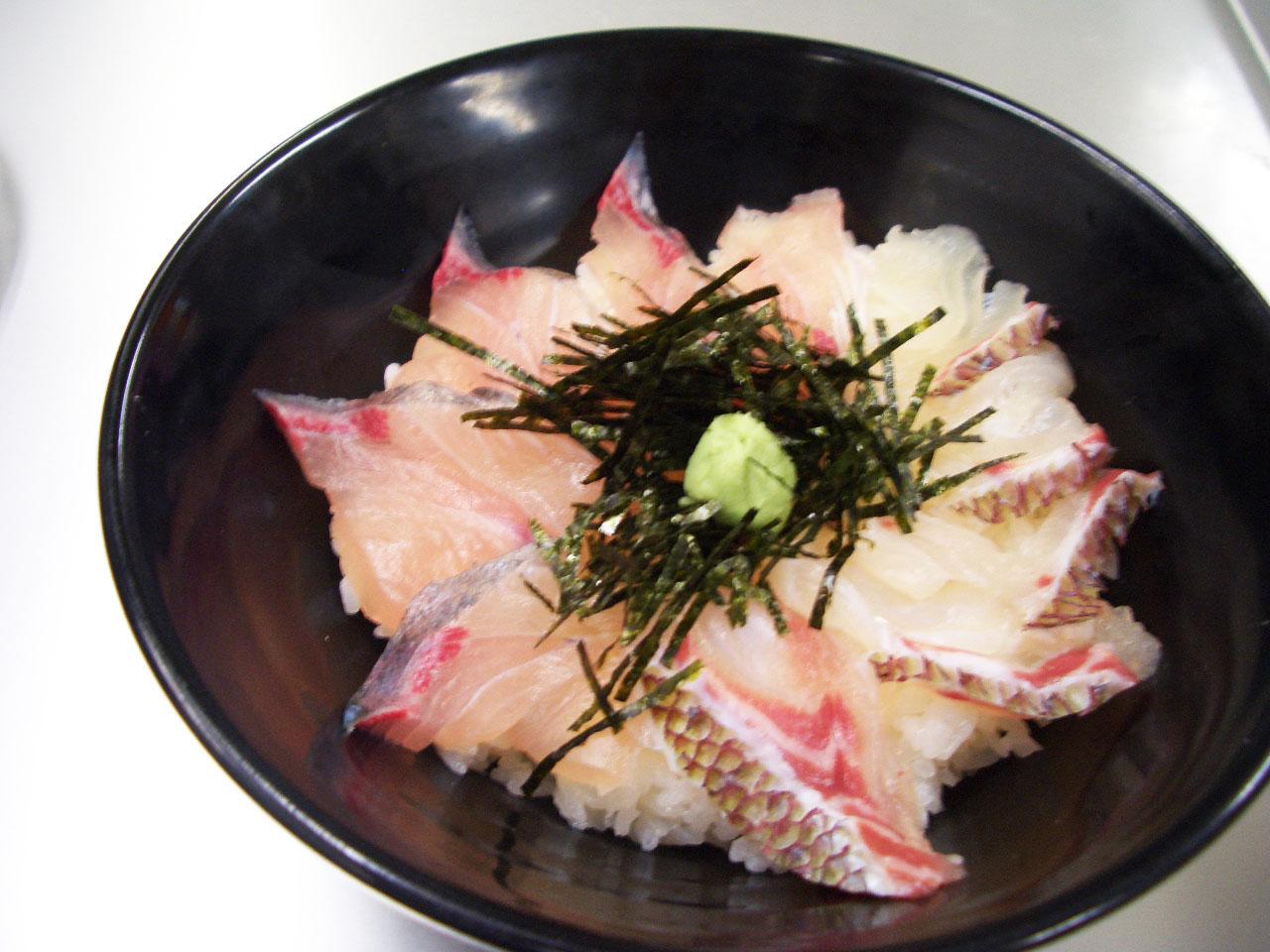鯛とブリの丼 (2) (1)