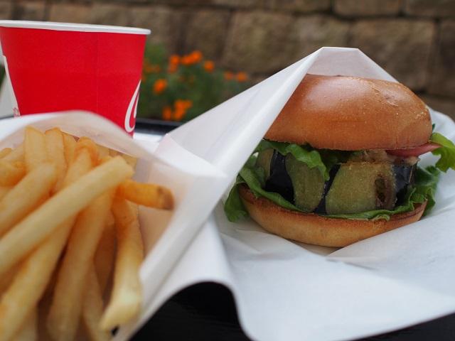 めがねのまち、鯖江で福井伝統野菜を食す!~道の駅 西山公園 吉川ナスバーガー~