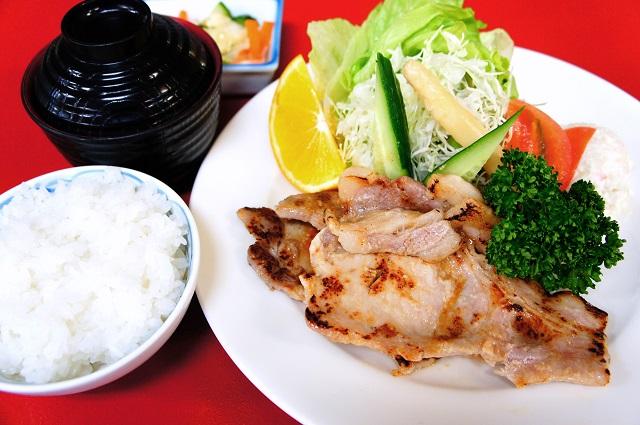 【道の駅 阿賀の里】胃も心も満たされる「越の姫豚 塩糀焼き定食 」