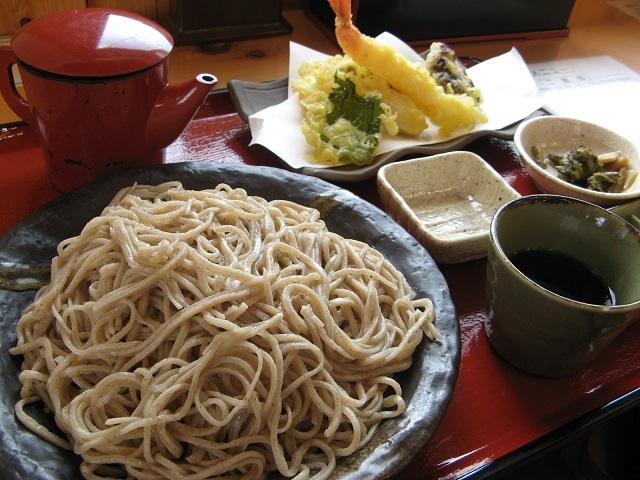 【道の駅 あおき】お土産にもオススメ!「タチアカネ蕎麦の天ざるそば」