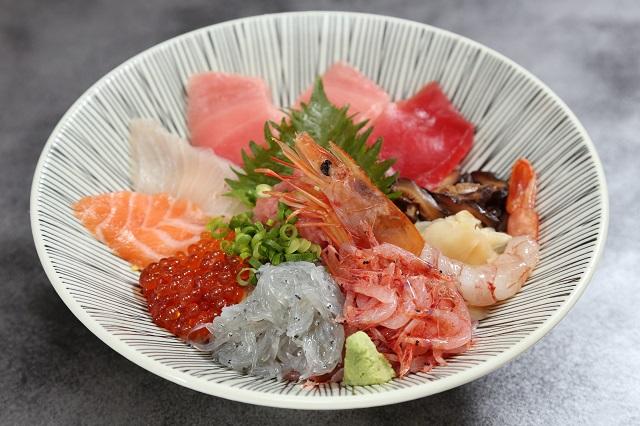【道の駅 富士川楽座】「特上海鮮丼」
